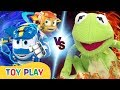 Toy Play   Giant Frog Attack!!   Robot Trains Toy Play