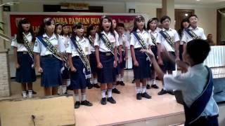 Download Lagu SMPN 1 BUAYAN JUARA I LOMBA PADUAN SUARA KABUPATEN KEBUMEN DI CANDISARI KEBUMEN JATENG Gratis STAFABAND