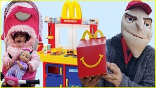 McDonalds PRETEND PLAY DRIVE THRU WITH BABY DOLL || McDonalds Drive Thru Prank!