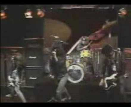 The Ramones - Sheena Is A Punk Rocker (soundstage)