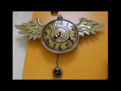 """Часы настенные """"Время летит"""" от Allen Designs Studio, высота 27см"""