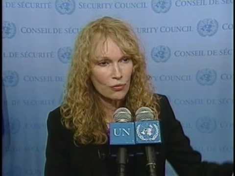 Actress Mia Farrow calls for justice in Darfur