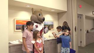 Coyotes Cook for Hospice of the Valley