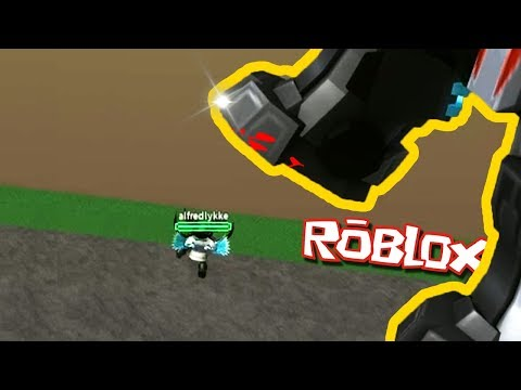 УВЕЛИЧИВАЙСЯ И ДАВИ МЕЛКИХ ИГРОКОВ! - Roblox Titan Simulator