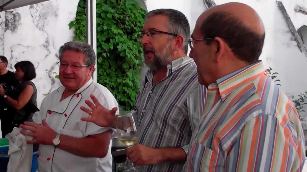 C mo cocer y pelar langostinos de sanl car con los cocineros del bigotes youtube - Casa bigote sanlucar ...