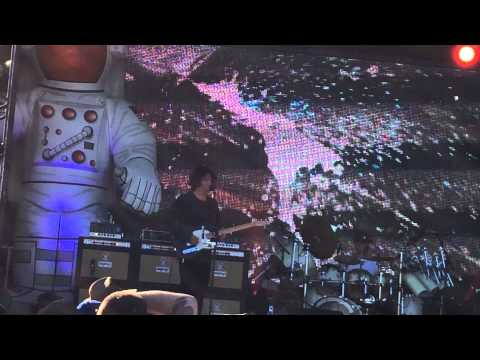 Primus Larry LaLonde ripping guitar solos 6/22/14