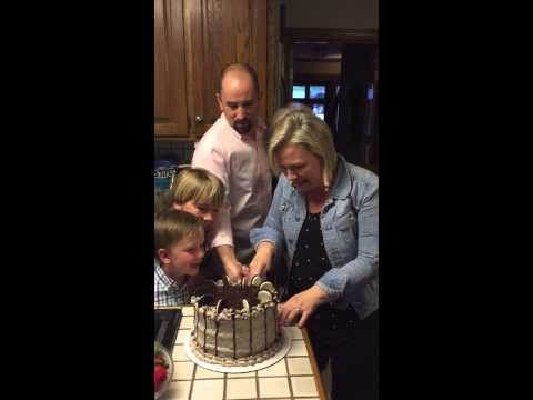 Mom Of 6 Boys Loses Her Mind When She Learns She's Having A Girl