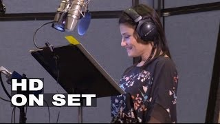 Frozen Kristen Bell 34 Anna 34 Idina Menzel 34 Elsa 34 Behind The Scenes Of The Movie Voice Recording