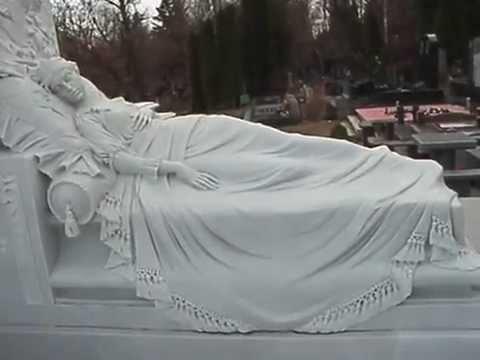 Эксклюзивный памятник. Байковое кладбище.