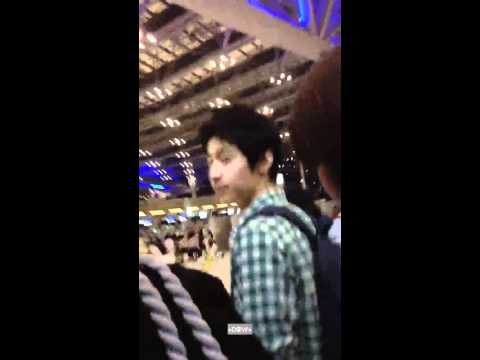 120413 Henrylau  Suvarnabhumi Airport (to Shanghai) video