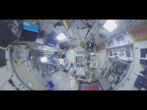 Космос 360: завтрак на МКС