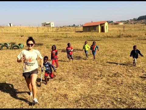 Volunteer in South Africa - Volunteer with Rhinos - Volunteer at creche - Reach Out Volunteers