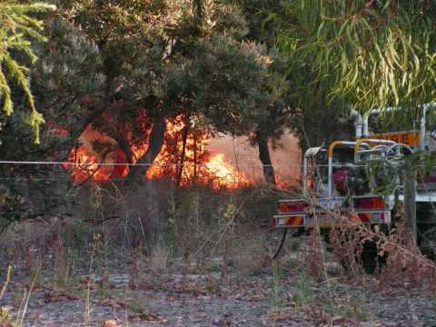 A 3rd alarm bushfire that broke out in a small reserve, across from bibra lake primary. The fire burned for a while before being contained by firefighters. I...
