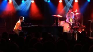 Watch Ben Folds Five Hava Nagila video