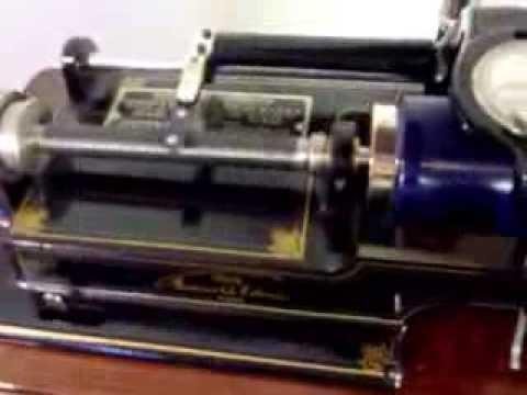 Pristine Edison Home Phonograph Record Player