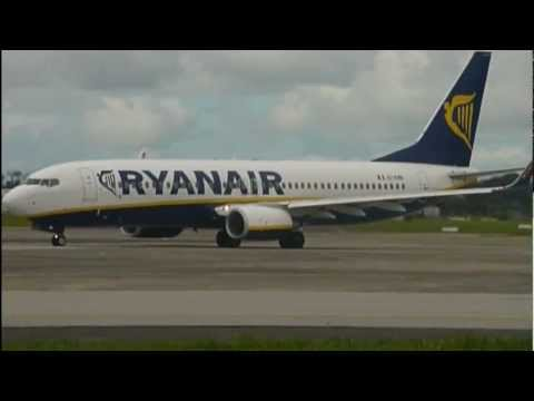 Ryanair Taxi To Take Off At Shannon Airport