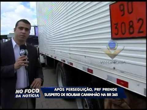 Após perseguição, PRF prende suspeito de roubar caminhão na BR-365