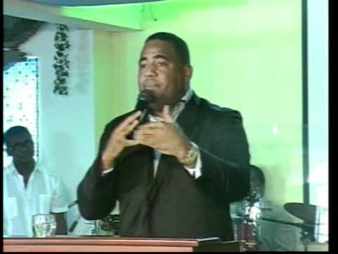 Pastor Jonathan Piña