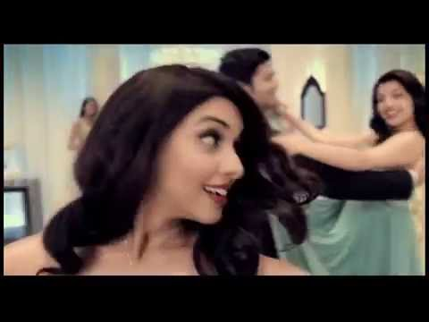 LUX Gold Pendant TVC 30s Hindi