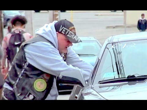Will People Steal Money From This Car? (Social Experiment) Homeless Veteran Shocks Everybody!