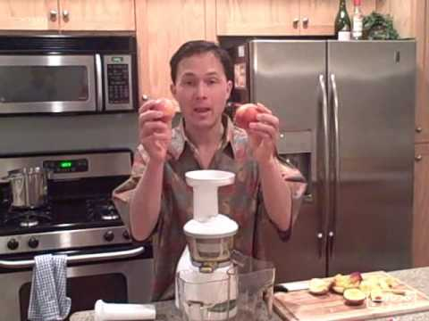 Juicing Papaya Strawberry Peach Kiwi and Banana in the Omega VRT330 VERT Juicer
