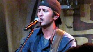 Watch Luke Bryan Good Directions video