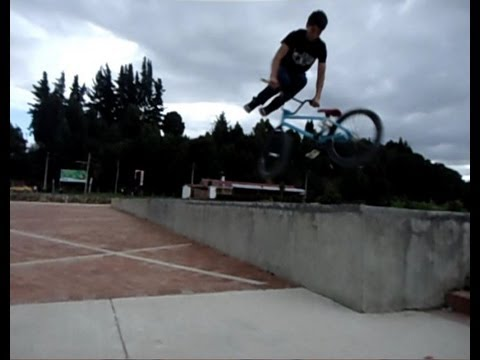 CÓMO HACER  TAILWHIP BMX COLOMBIA 2012 (CC)