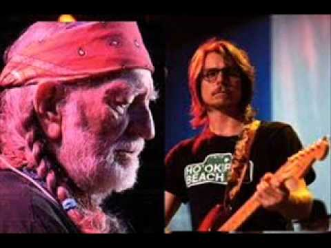 Willie Nelson - Take Me in Your Arms