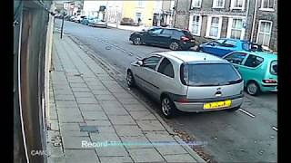 Record-M9 : UK Bad Drivers Caught on Camera : Bad Parking Fail (12 minutes )