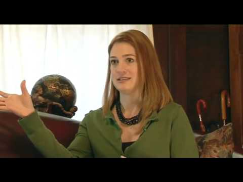 GILLIAN FLYNN TALKS ABOUT DARK PLACES
