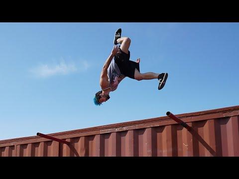 2017 Parkour and Freerunning Compilation (Insane Tricks)
