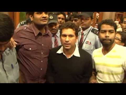 Sachin Tendulkar and Mahendra Singh Dhoni at book launch at Bangalore