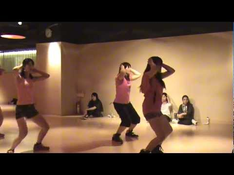 Master Praveen Bollyoow Dance-Mind Blowing Mahiya 18122011.MPG...