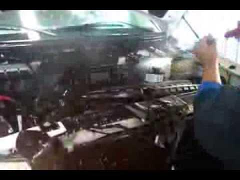 Como lavar un motor youtube for Como lavar el motor de un carro