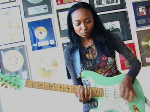 Malina Moye Chops It Up About Her Fender Amp