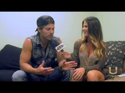 Uwc Host Brandi Snyder's Interview Kip Moore In Tampa! kipmooremusic uwantcountry brandisnyder33 video
