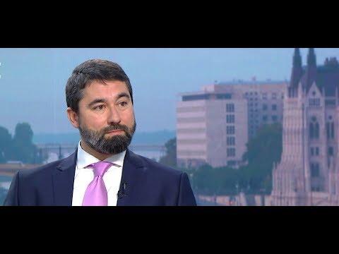 Sargentinivel együtt tüntetett az ellenzék - Hidvéghi Balázs - ECHO TV