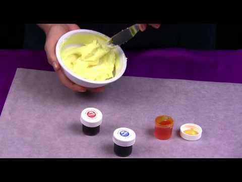 Usando colores primarios para darle color a su frosting for El color en la decoracion