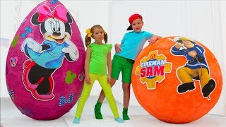 Minnie Mouse VS Fireman Sam Giant surprise toy egg