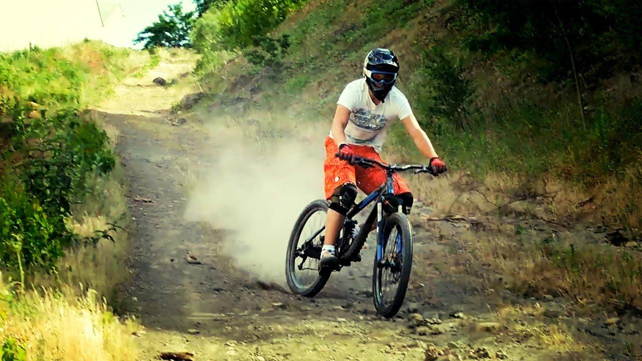 Velo de Descente Giant Nico en Vélo de Descente