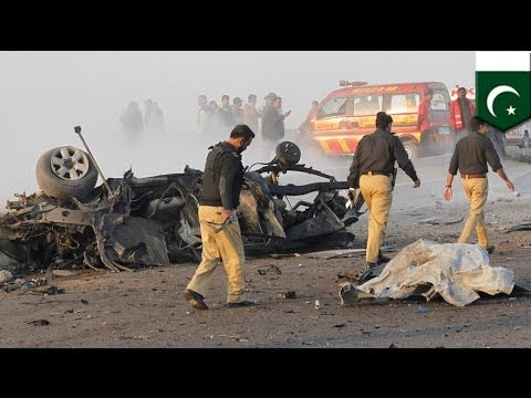 Massive bomb kills Pakistan's 'top cop'