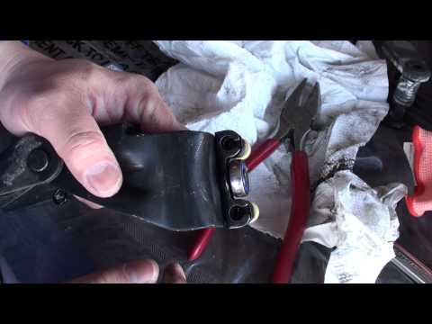 Honda Odyssey Center Rail Door Roller Replacement