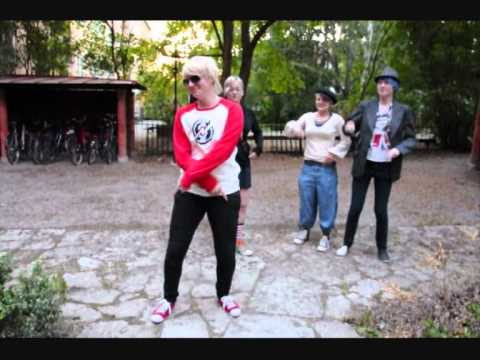 Dave Strider (& Rose Lalonde): Eye of the Tiger - a cosplay video