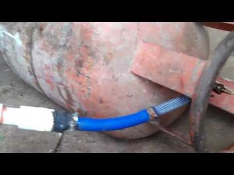 biogas filling in cylinder