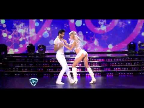 Showmatch 2012 - Liz Solari se perdió en la coreografía