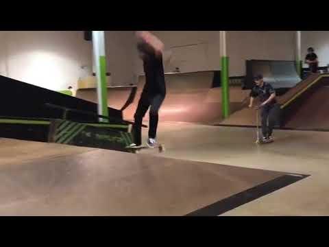 Hip Day ✅@codycepeda 🎥: @regalmonster #skateboardingisfun   Shralpin Skateboarding