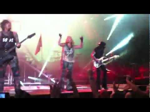 Mick Mars shredding Dr. Feelgood (Raleigh, NC) 2012