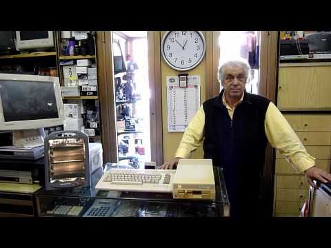 Commodore shop in Rome-Italy, Dec. 2010 (english subtitles)