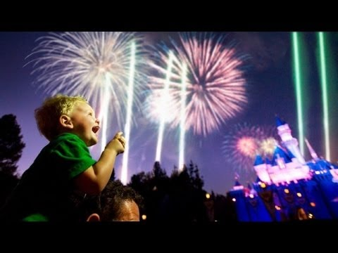 "♥♥ 2016 ""Remember... Dreams Come True"" Fireworks Spectacular at Disneyland"