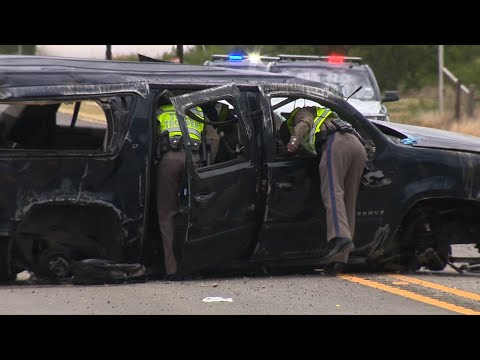 Raw: Suspected Smuggling Vehicle Fatal TX Crash